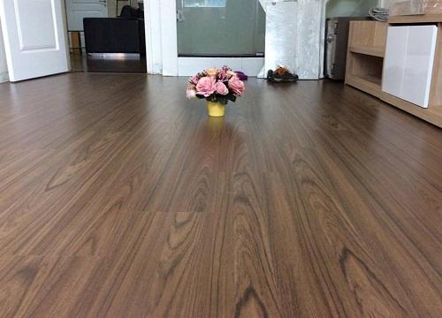 Gạch lát nền màu gỗ nên sử dụng như thế nào cho hiệu quả?