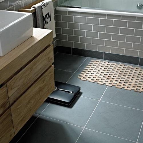 gạch chống trơn nhà vệ sinh 1