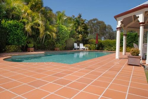 Gạch gốm lát sân – lựa chọn hoàn hảo cho các gia đình