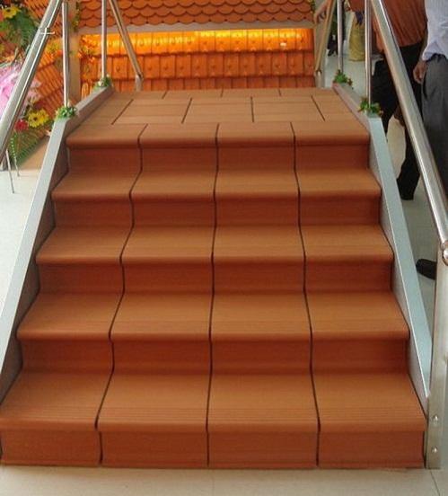 gạch ốp cầu thang 2