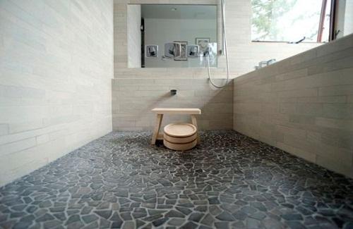 gạch ốp lát nhà vệ sinh